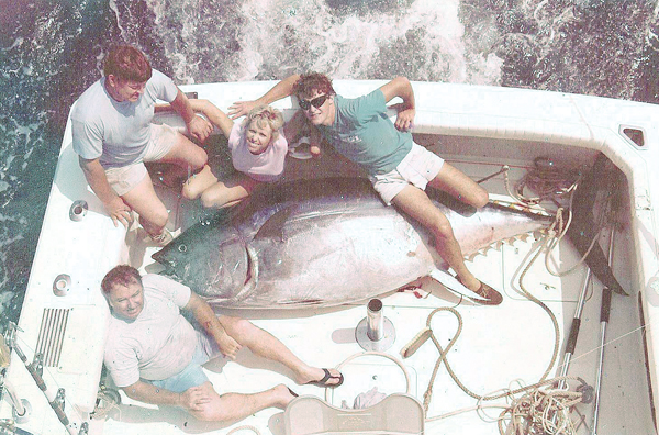 txrecordbluefintuna1 Texas State Record Bluefin Tuna Flashback
