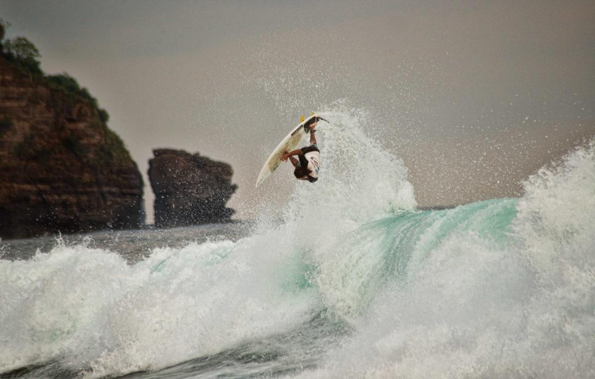 Surfing Archives - Gulf Coast Mariner Magazine