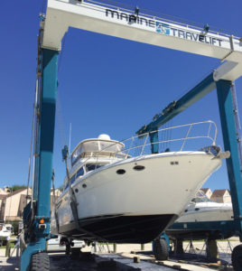 starship lift 268x300 Starship Marina and Boatyard
